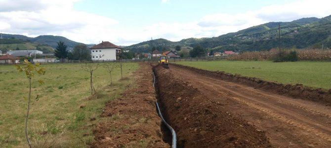 Počeli radovi na postavljanju nove vodovodne mreže u Industrijskoj zoni Luka